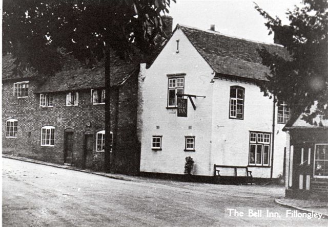 39 apron on his cobblers shop was next to the bell inn pre 1950